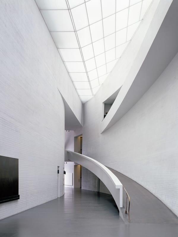 Kiasma, aula Kiasma, aula Kiasma, entrance hall kuva: Joel Rosenberg 04-2001 FlexTight/ PS 6.0 pm 2.5.01